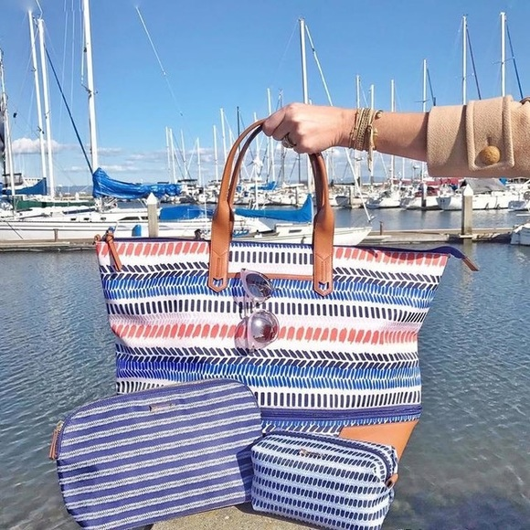 Stella Dot Bags Newunused Stella Dot Getaway Bag Multi Stripe